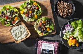 Tazze di lattuga bisonte mediterranea con yogurt Avocado Tzatziki articolo image