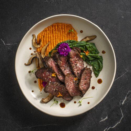 Surlonge de bison teriyaki avec patate douce et bok choy