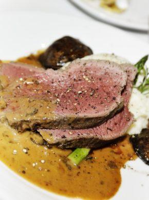 Punta di controfiletto di bisonte marinato arrosto con erbe e vino articolo image